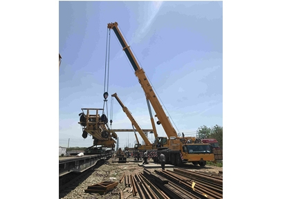 拆除铁路架桥机